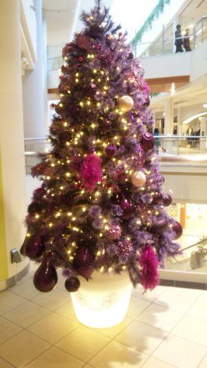 デパートの雰囲気も クリスマスに向けて 飾り付けが始まっている