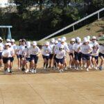 小学校 マラソン大会 順位はともかく一生懸命走る姿には感動させられます。