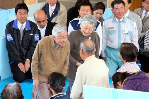 被災地 旭市 天皇、皇后両陛下訪れる。