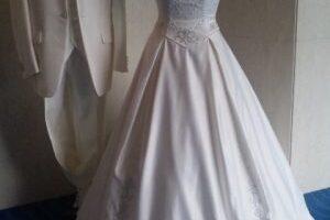 6月の花嫁 純白に包まれたウエディングドレス